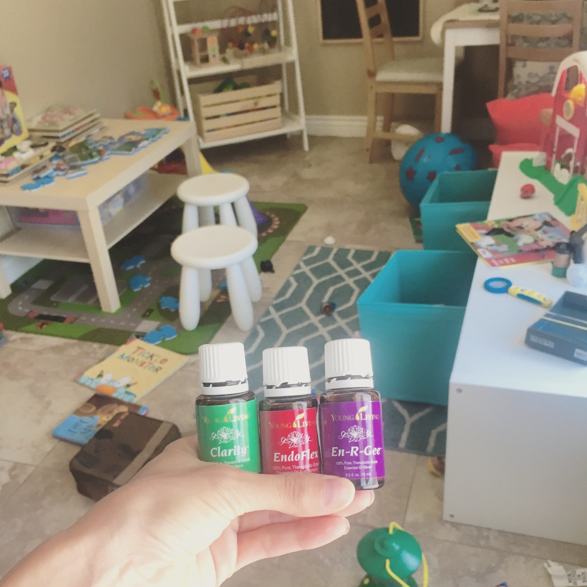 A *REAL* Day in the Life of a Stay-At-Home-Mom: As told by Instagram, Facebook, and #hashtags